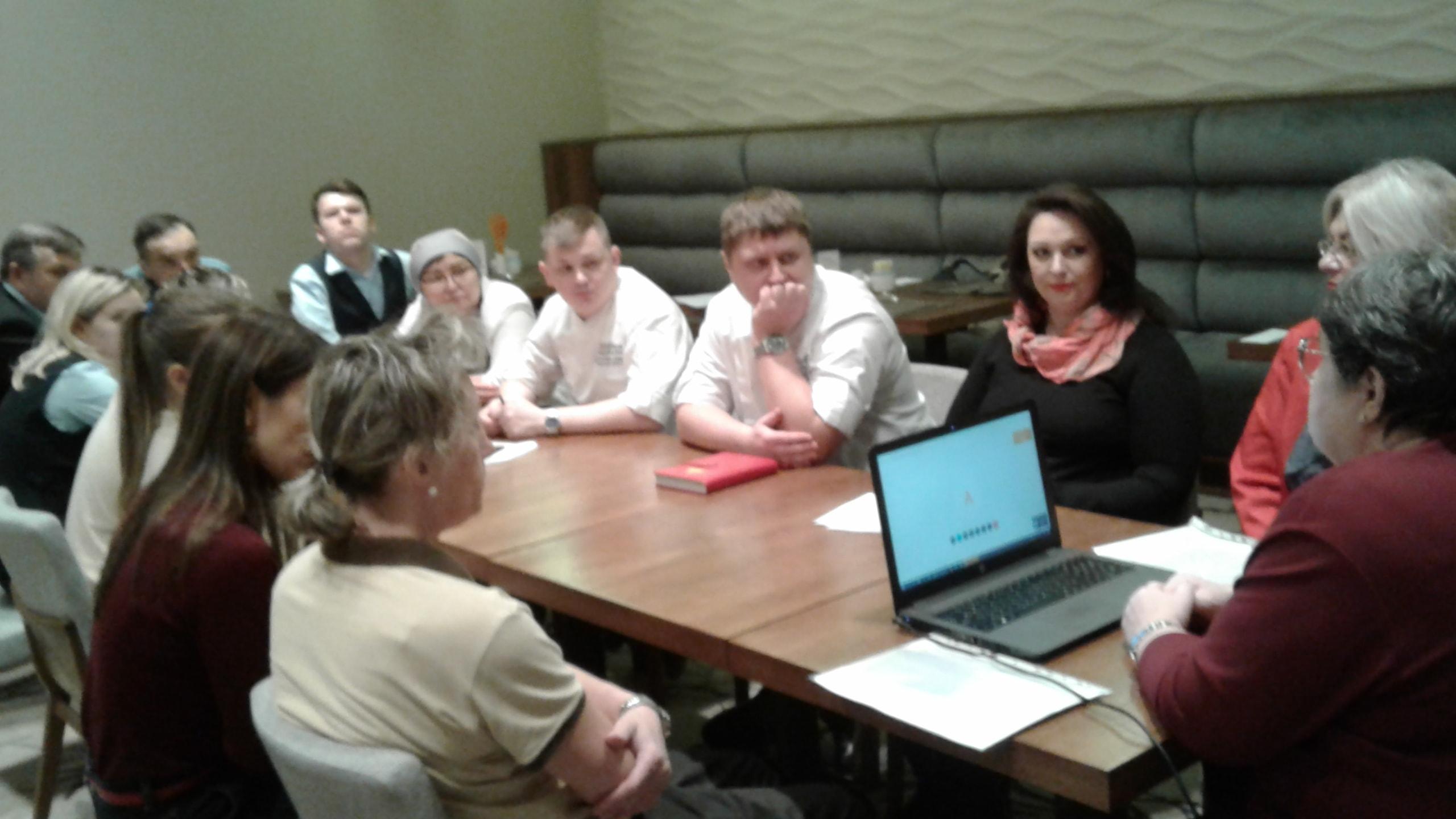 Русский Дом провел тренинг для сотрудников отеля Hilton Garden Inn Krasnoselskaya о специфике работы с людьми с ментальными и психическими особенностями.